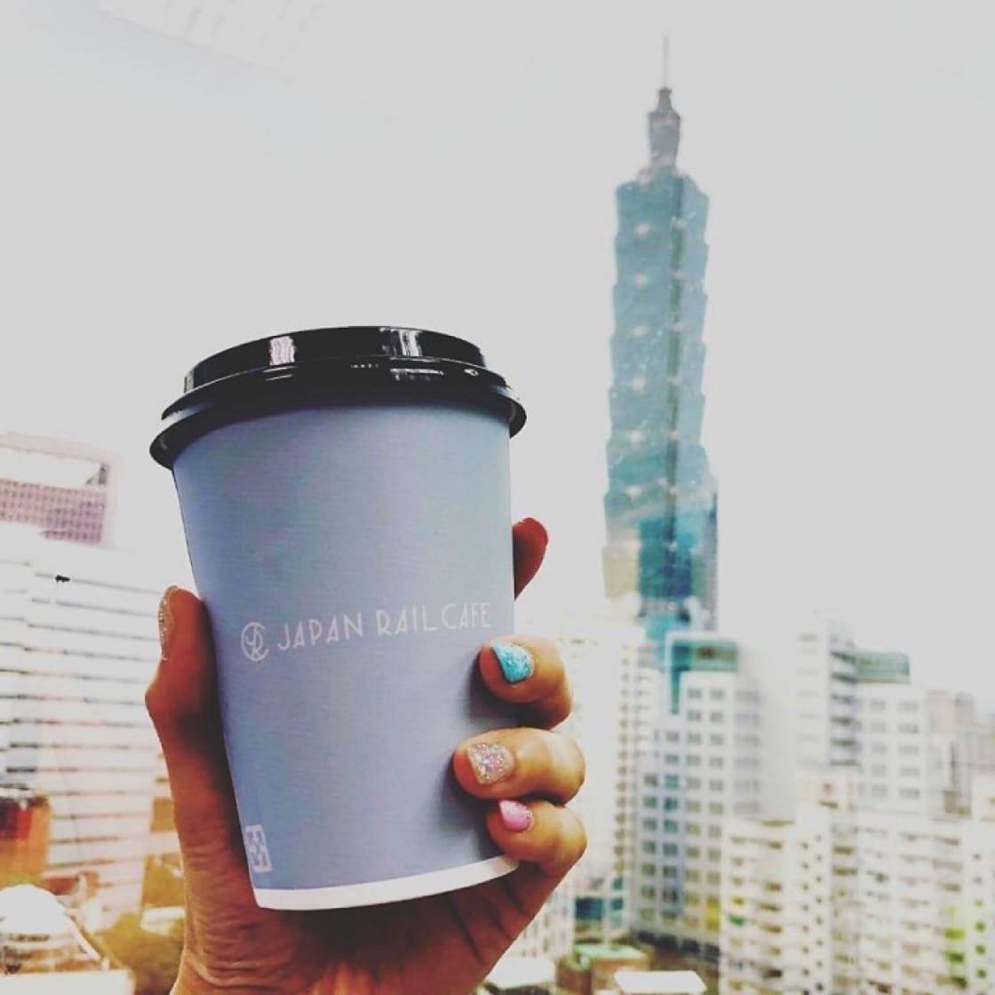 除了咖啡與餐點,Japan Rail Cafe希望作為提供日本旅遊資訊的平台,一月在台北開出除新加坡外第二家海外店。(圖片來源:Japan Rail Cafe臉書)
