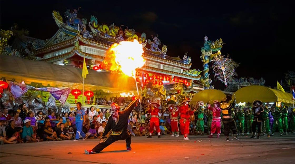 บรรยากาศเทศกาลตรุษจีนที่ย่านเยาวราช