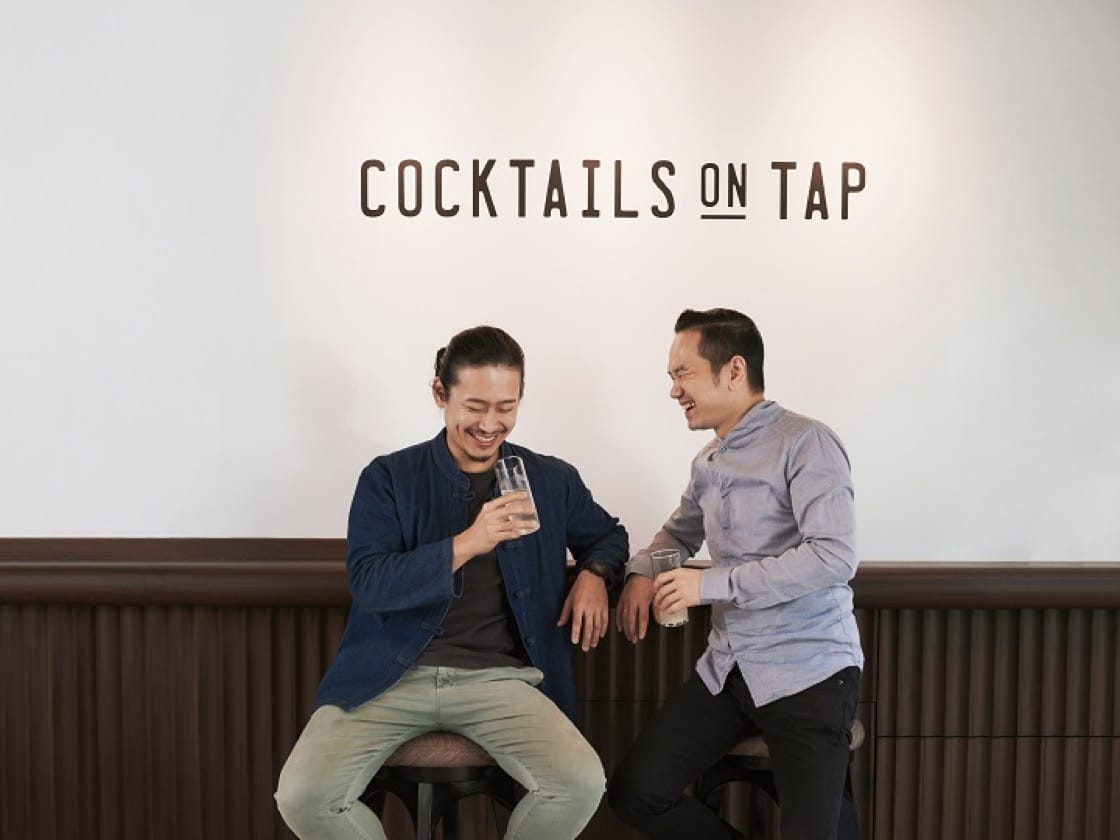 (from left) Draft Land mixologists Angus Zou and Antonio Lai are injecting buzz in the cocktail scene in Hong Kong. (Photo: Draft Land)