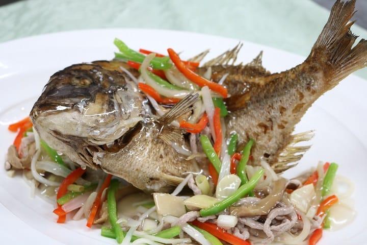 台北福華飯店蓬萊邨主廚王永宗的五柳迦納魚。(圖片:福華飯店提供)