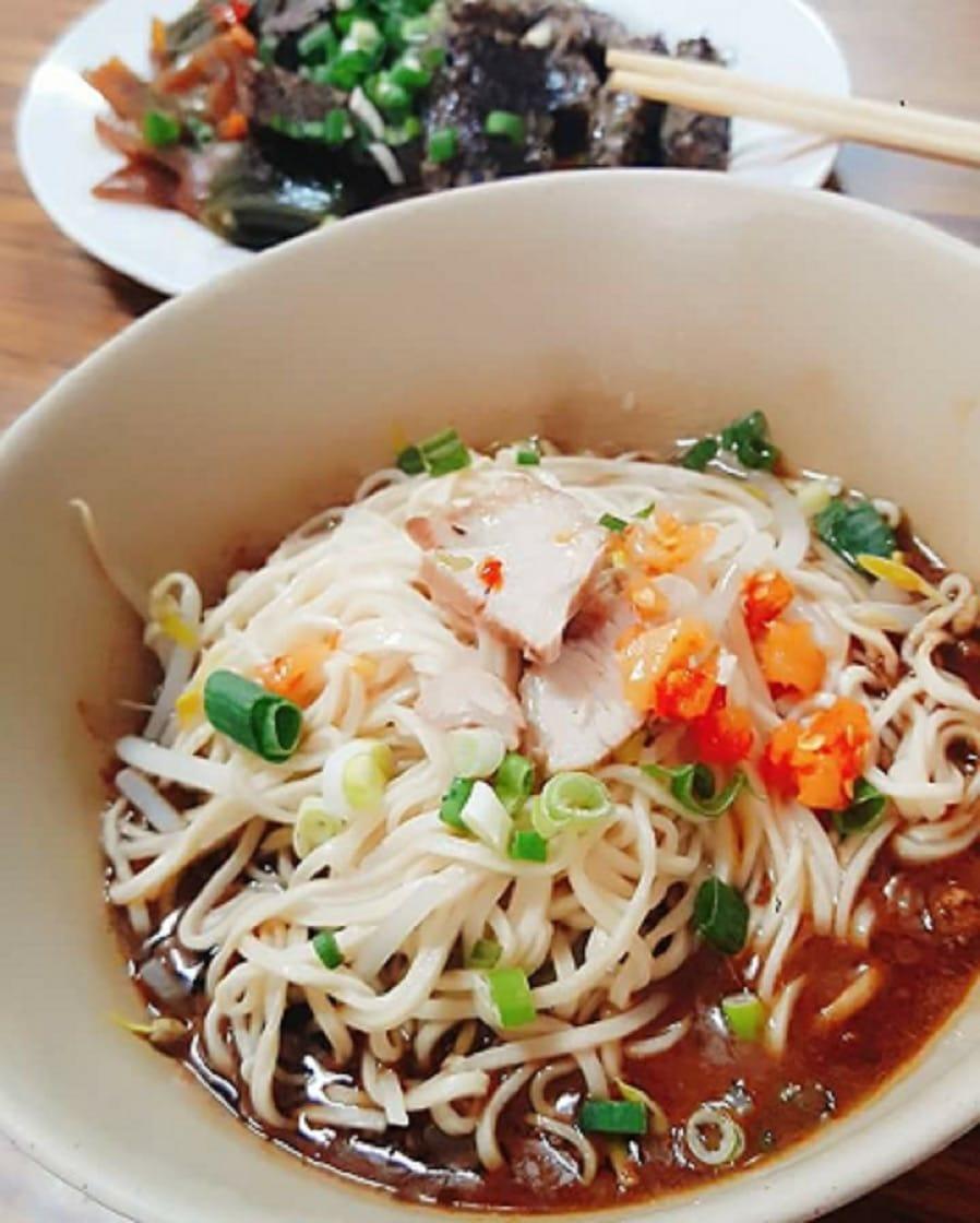 楊光宗說,王家古早味麻醬麵的口味,保留了傳統的味道。(圖片來源:王家古早味麻醬麵臉書)