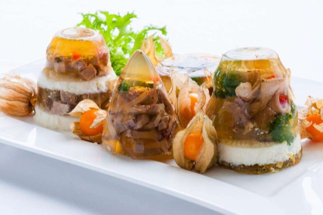 肉凍是把食材凝固在肉類膠質中。(圖:Shutterstock)