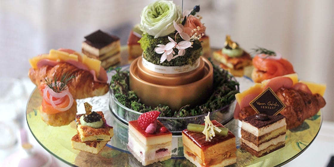 Van Gogh Senses' desserts are colourful like the moving artworks of the Dutch painter.