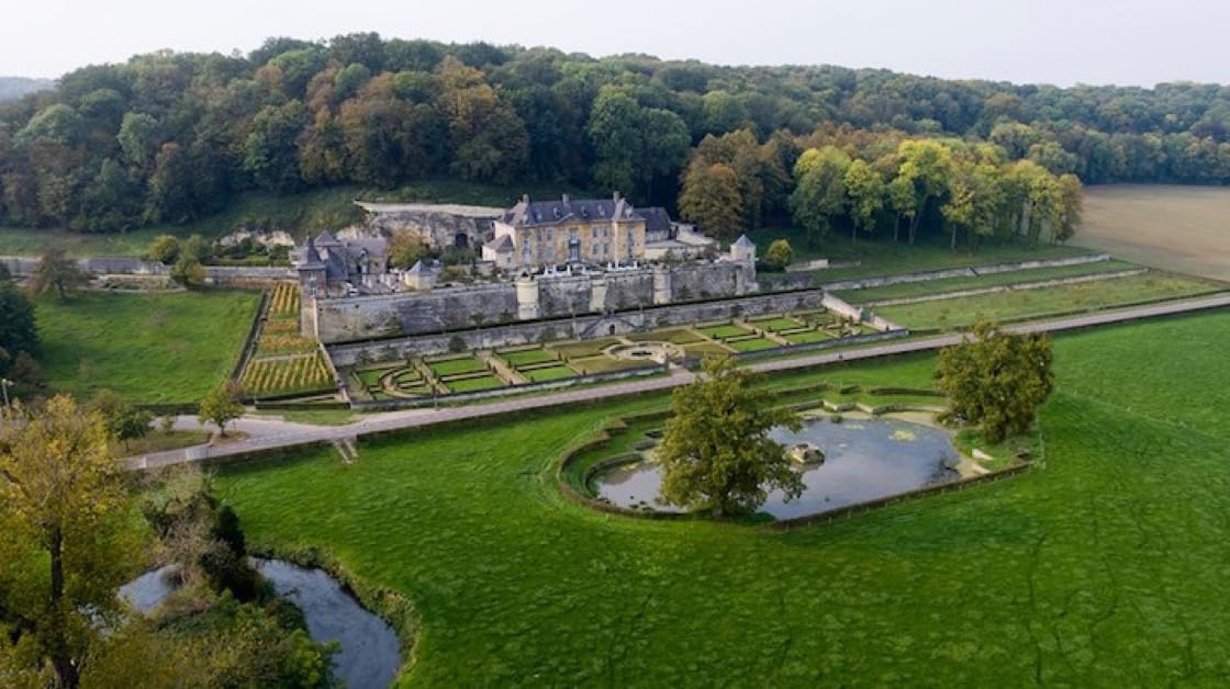 Château Neercanne is a beautiful terraced castle that lies near the border between The Netherlands and Belgium. (Photo: Château Neercanne Facebook page)