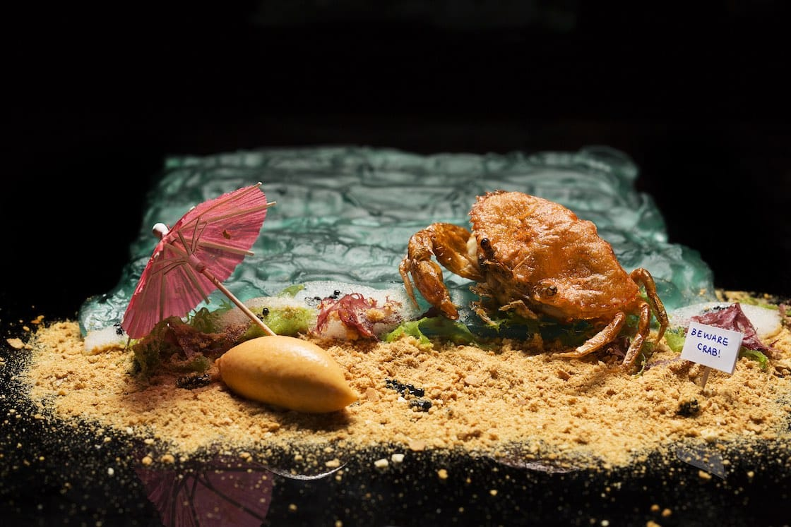 Labyrinth's Chilli Crab On The Beach (Pic: John Heng)
