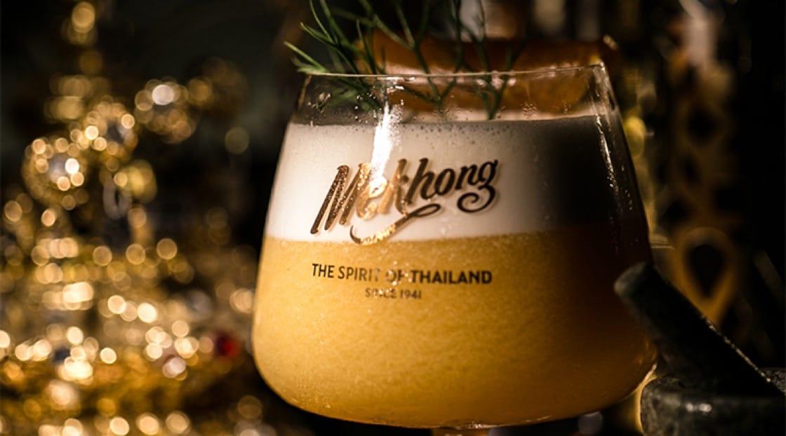 ร้านเทพบาร์ฯ นำเสนอความงดงามและรุ่งเรืองของไทยผ่านค็อกเทลทอง ที่ผสานวัตถุดิบคุณภาพกลายเป็นสีทองอร่าม