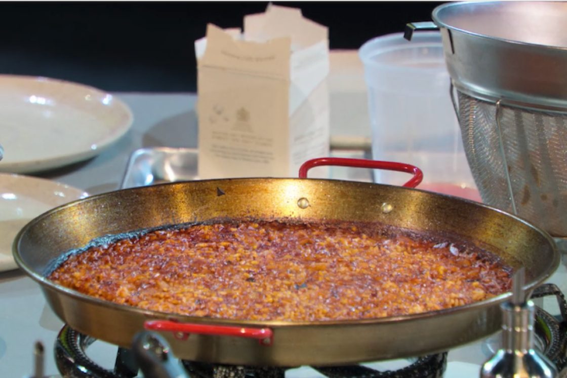Paella is traditionally cooked in a paellara (Pic: Netflix)