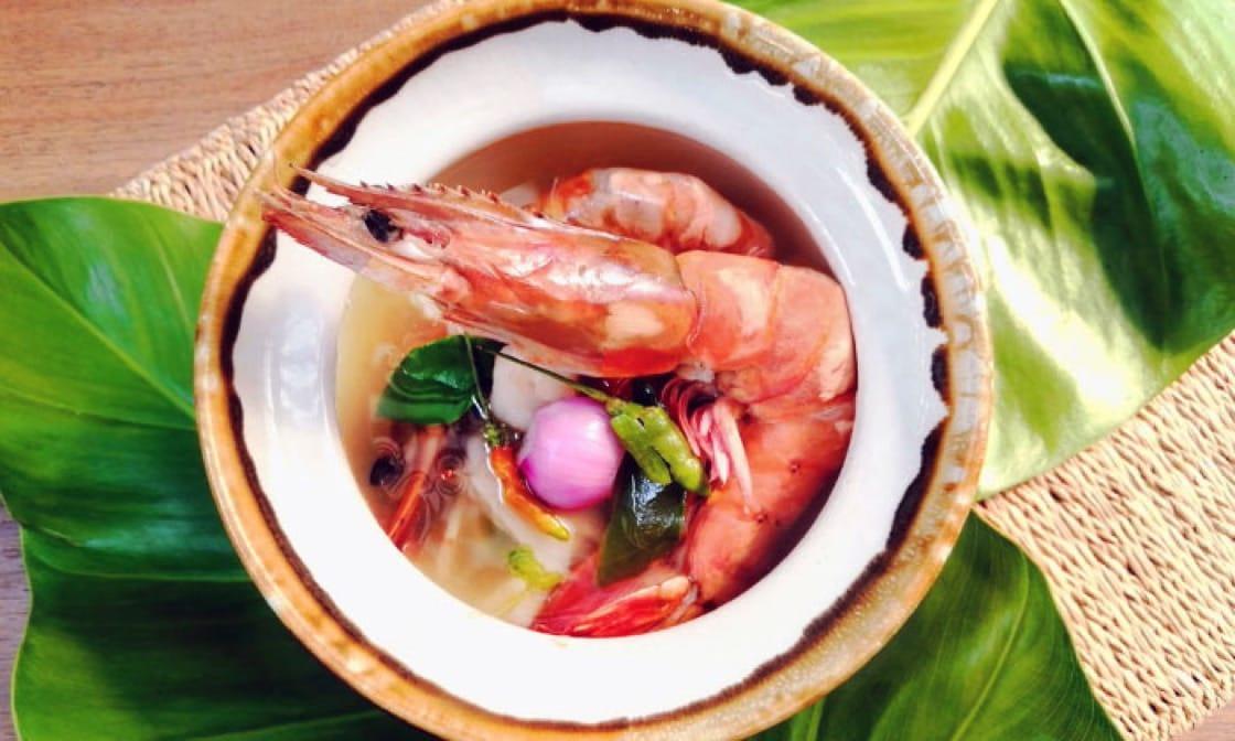 入選《米芝蓮指南》必比登推介 The Local餐館的冬陰功清湯(Tom Yum Goong Nam Sai )。
