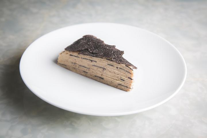 Belon以往推出過的法式榛子黑松露千層蛋糕,吃過的人都念念不忘。(圖片:Belon)