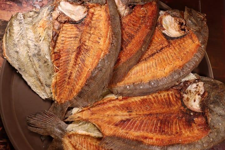 沾仔記的湯底一直謹守傳統,以大地魚乾來熬。(圖片:陳佳男)
