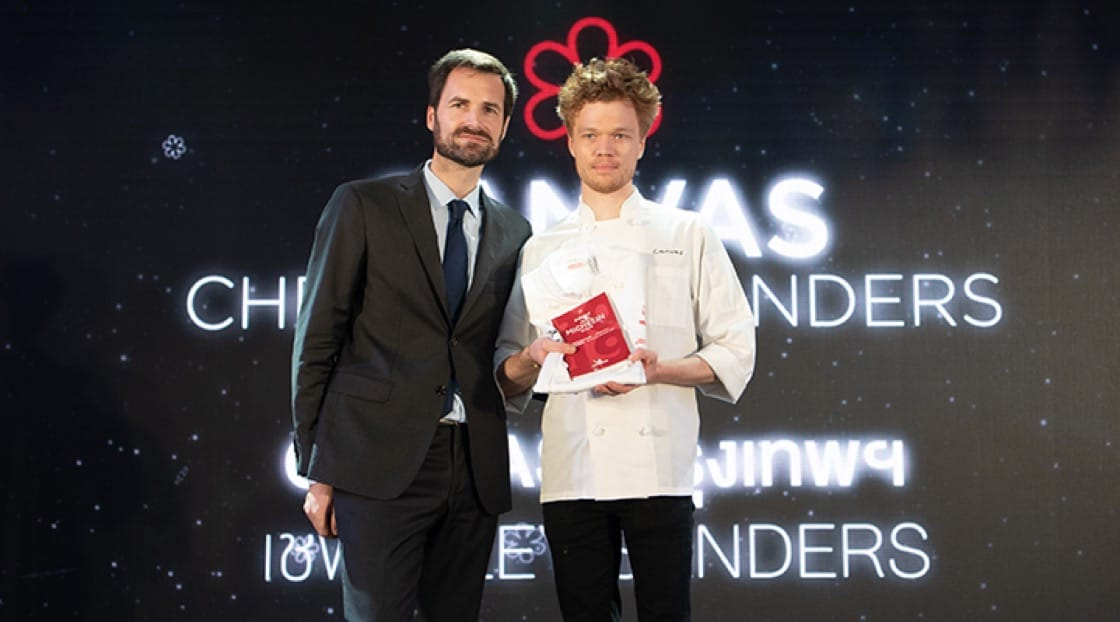Chef Riley on stage with Gwendal Poullennec, International Director of the MICHELIN Guide, at the MICHELIN Star Revelation 2019.
