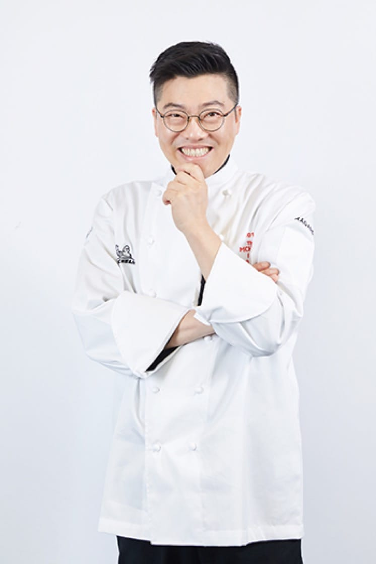 CHEF_BYUNG-JIN KIM_SIDE.jpg