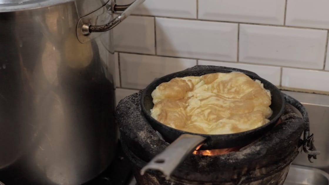 At the age of six, chef Aom learnt how to cook a Thai egg omelette, which sparked her interest in food.