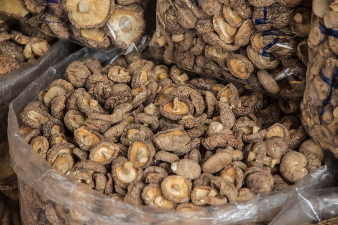 羅漢齋應有的三菇是蘑菇、草菇和冬菇。(資料圖片)