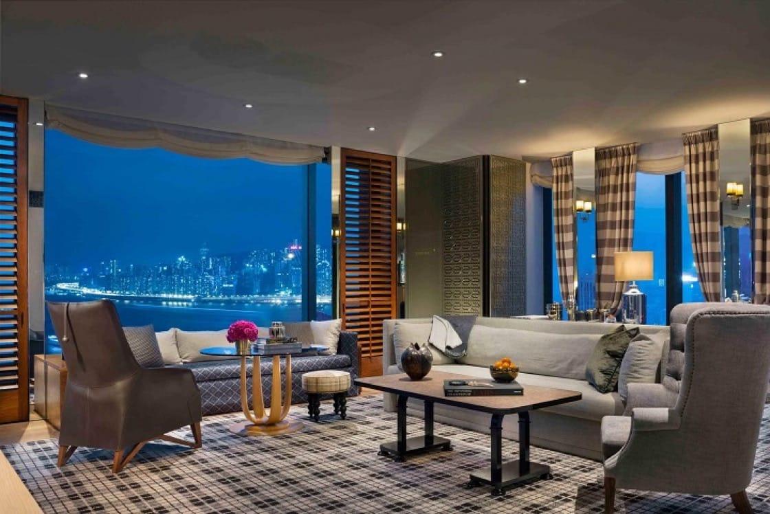 瑰麗酒店得盡地利,飽覽維港無敵景色。(圖片:香港瑰麗酒店)