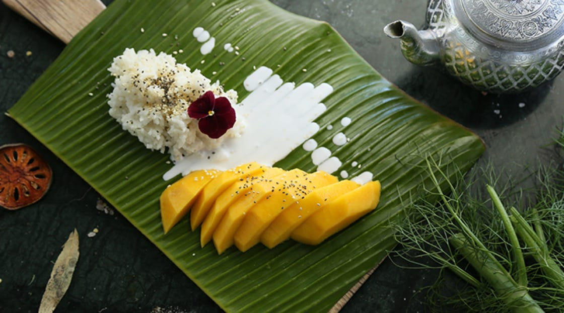 The iconic Thai mango and sticky rice.