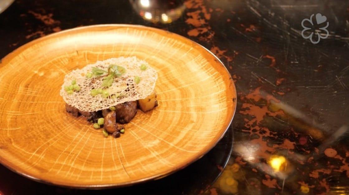 陳泰榮的蒜子豆豉爆和牛,看來簡單,卻考驗經驗與膽識。