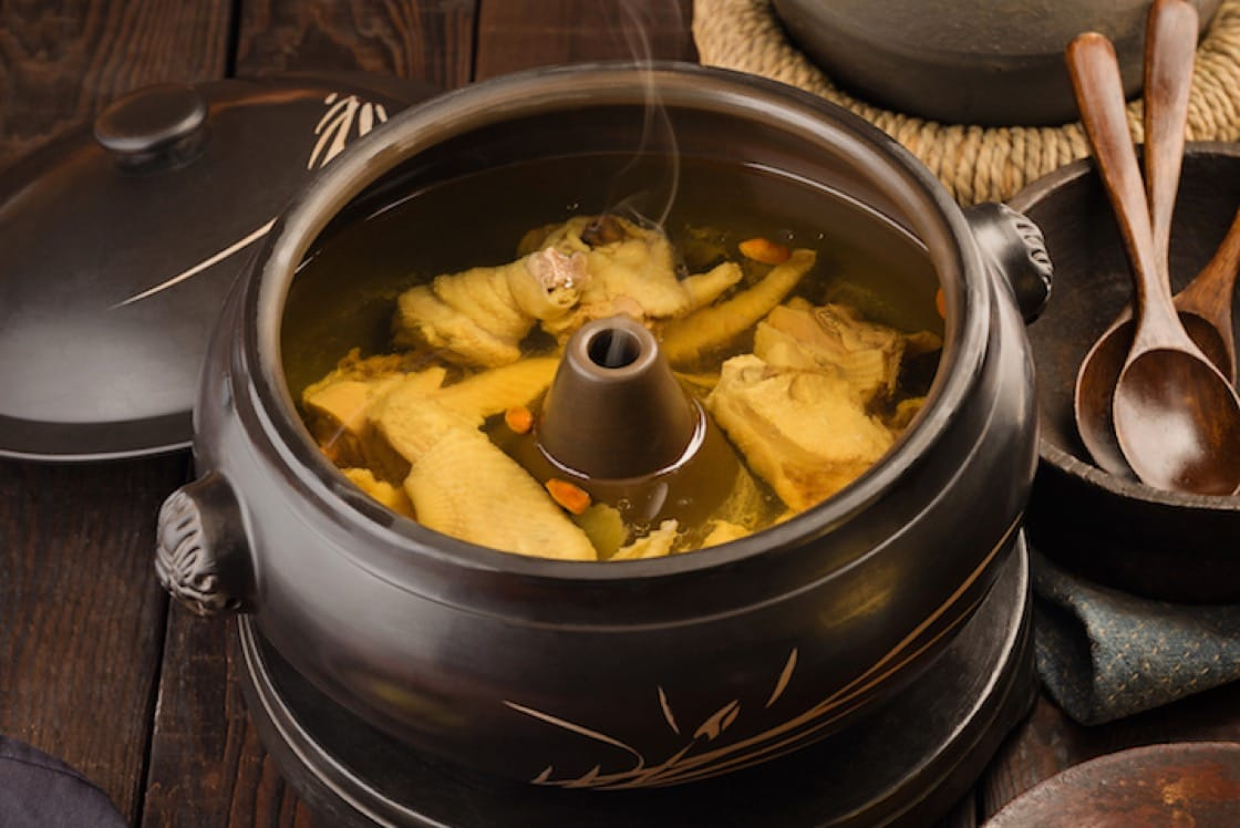 Steamed Pot Chicken Soup at YUN NANS (Pic & Banner Pic: YUN NANS)
