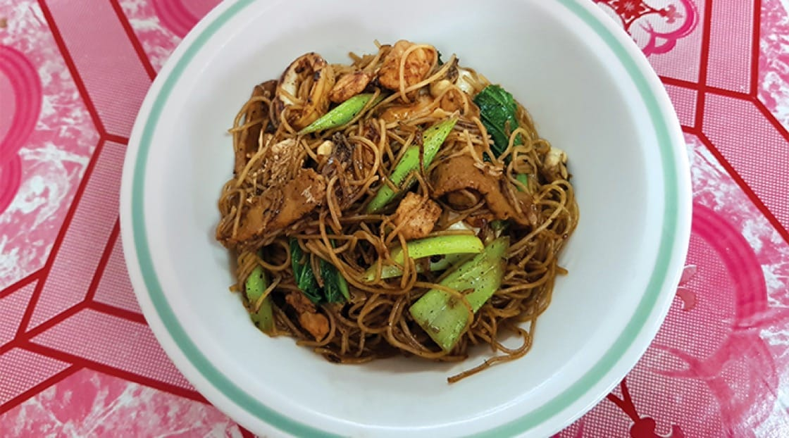 Delicious Hokkien-style fried noodles at Go La.