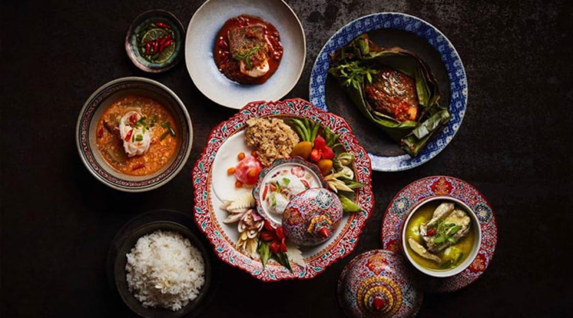 Along with Thai cooking, R-Haan also preserves culinary heritage through the use of  traditional Thai ceramics that was once used at the Royal Palace.