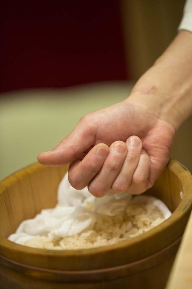 大隅達認為,壽司飯的溫度,應根據不同食材而作出微調。