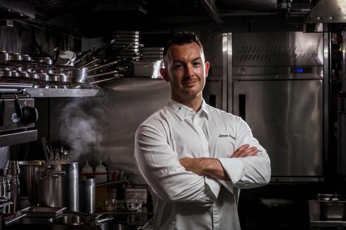 名廚 Arron Rhodes 是英國人,新餐廳菜色以健康的鄉村家庭風味色為主。(圖片:KINSHIP)