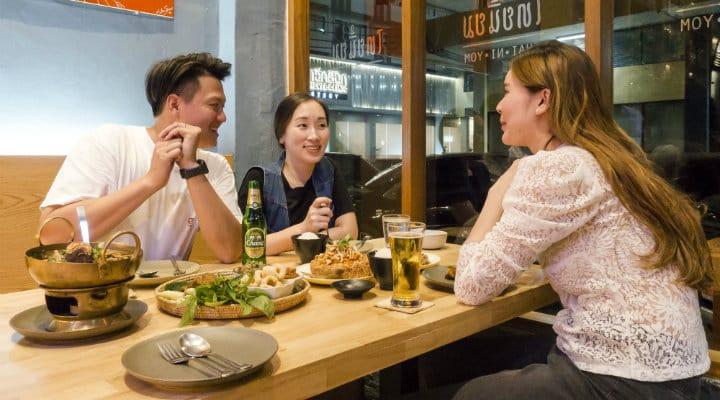 Enjoy Thai Niyom's food with friends