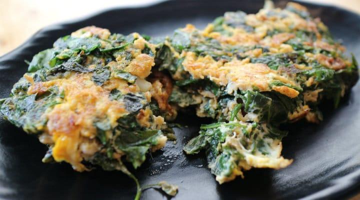 Stir-fried Melinjo leaves with scrambled eggs.