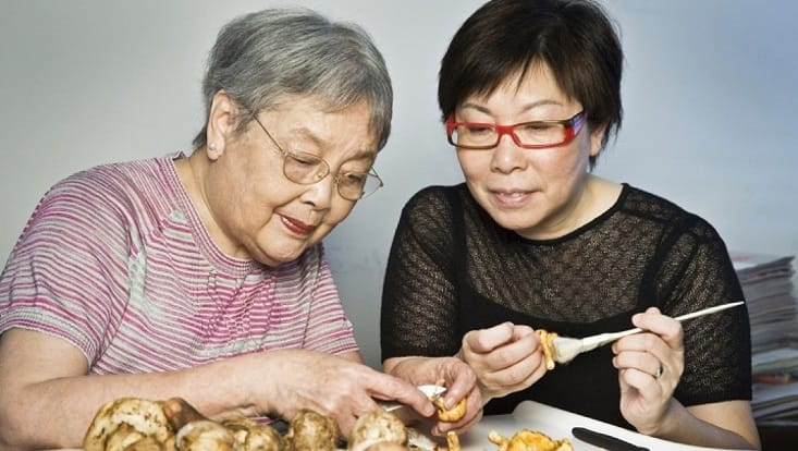 Pearl Kong Chen (left) documented the origin of deep-fried custard in her book on Cantonese cuisine. (Pic: Theresa Yiu)