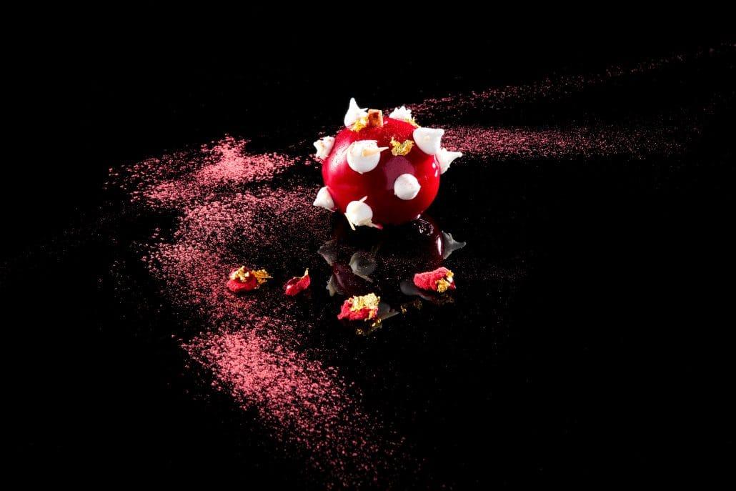 달콤한 사과와 산딸기 소스