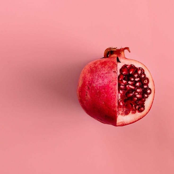 紅石榴如寶石般美,也有健腦的食效。(資料圖片)