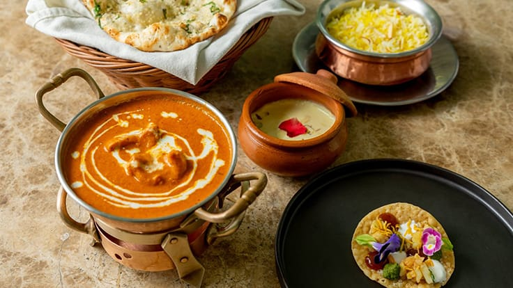 อาหารหลากหลายชนิดจากร้านอินดัส. ภาพจากFacebook page ร้านอินดัส