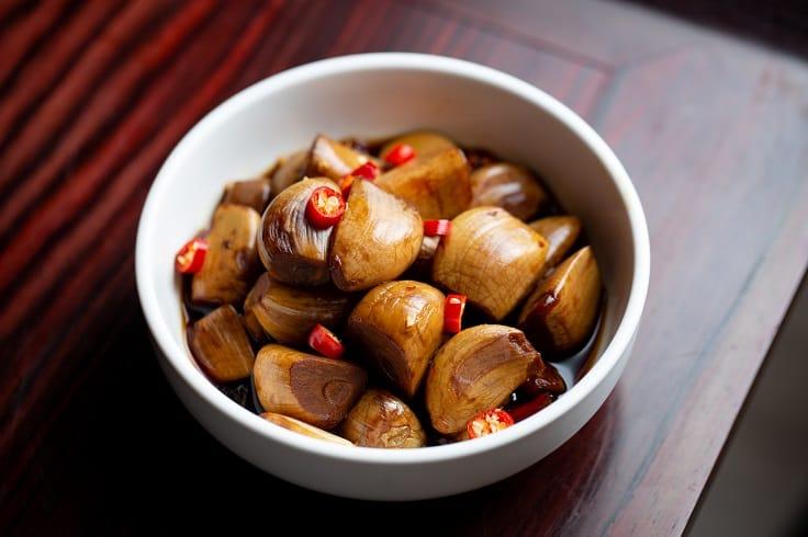 香山家宴多自製菜式,家宴秘製蒜頭正是其一。(圖片:香山家宴)
