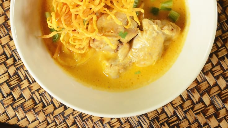 <i>Khao Soi Gai.</i> Photo credit: Huen Lamphun.