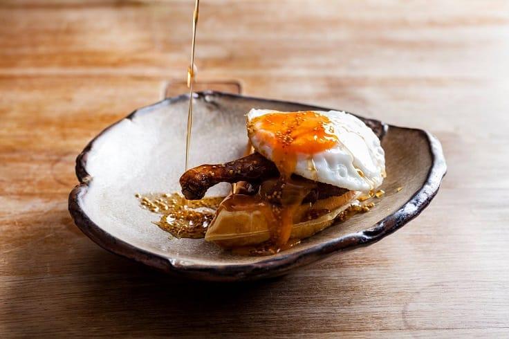 Duck & Waffle 的招牌菜式「鴨腿及窩夫」。(圖片:Duck and Waffle 面書)