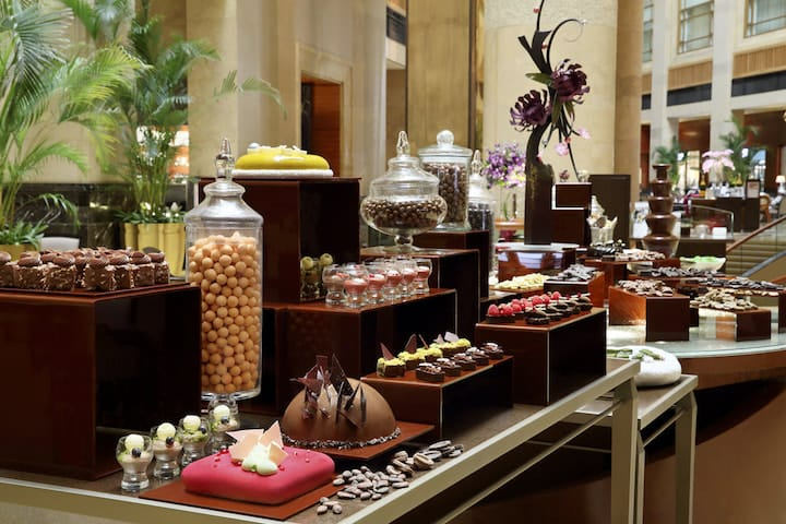 The Courtyard's famed chocolate buffet features unusual dishes such as Baby Back Pork Ribs and Chocolate Arancini. (Photo: The Fullerton Hotel Singapore)
