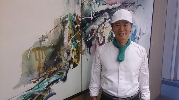 有「鐵板燒教父」稱號的謝樂觀,暌違三年,在台北再開新店。店內布置有許多當代名家包括高行健、李真、楊識宏的藝術作品,味覺視覺都享受。(謝明玲攝)