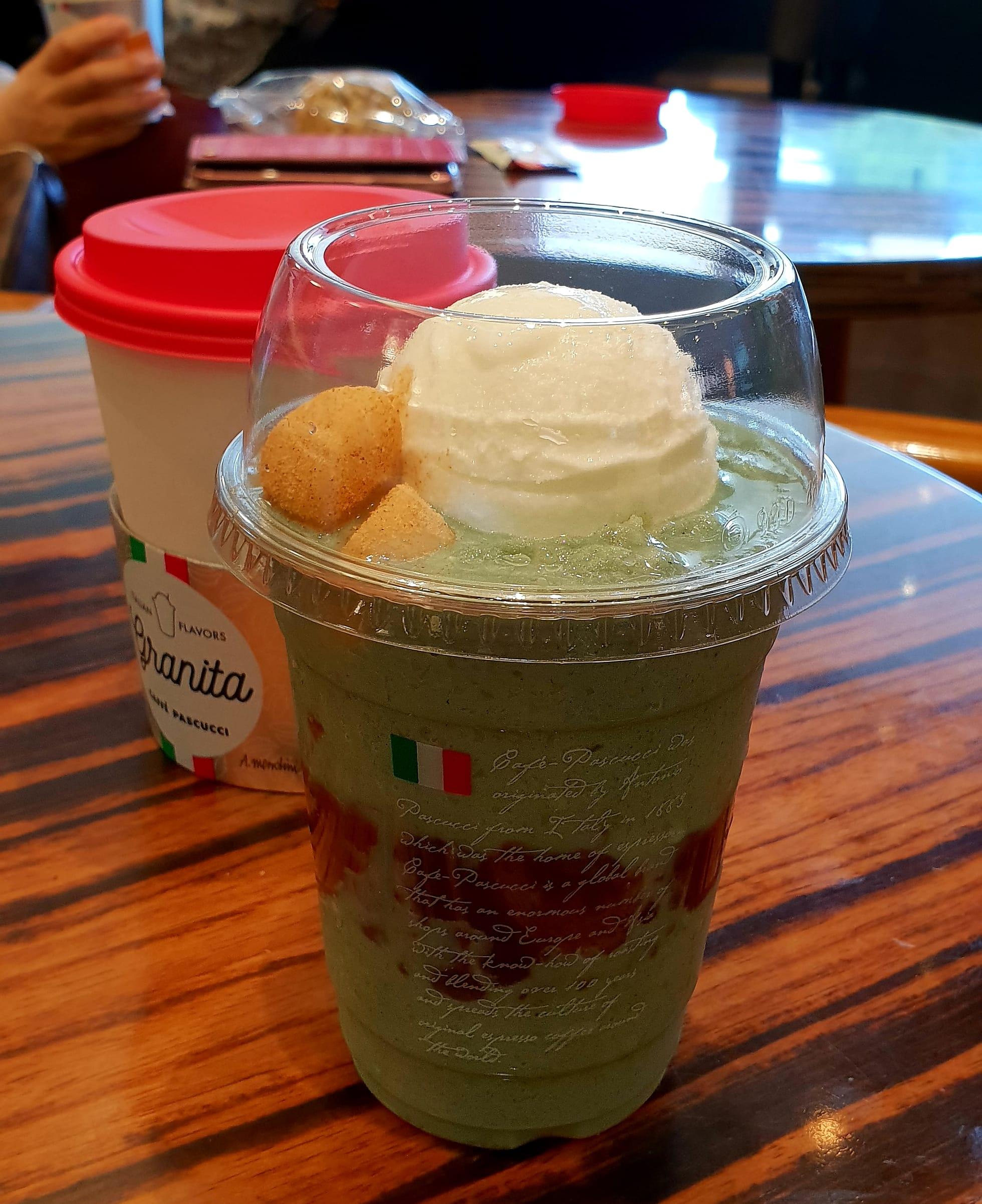 카페파스쿠치(Caffe Pascucci) 의 쑥인절미 그라니따