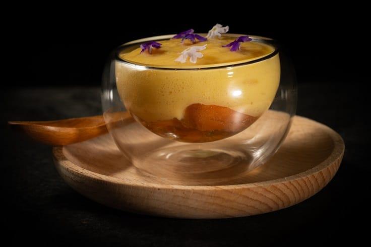 JE Kitchen八月推出的「海膽 ‧ 蝦 ‧玉米」(圖片:JE Kitchen 提供)