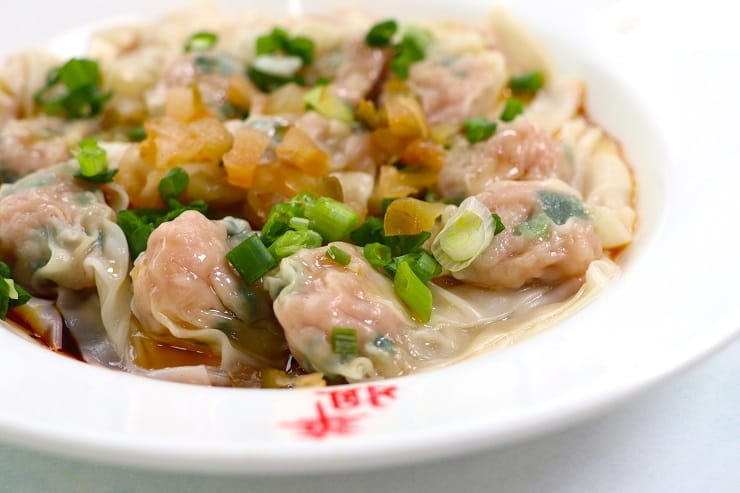 Besides its signature beef brisket, Sister Wah also serves homemade Shanghainese cuisine such as wontons in chilli oil. (Photo: Joe Chan)