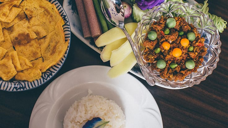 <i>Naam prik long rua</i> is best eaten with fresh vegetables. Image courtesy of Baannai.