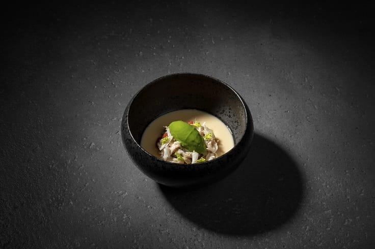logy 的招牌菜色「茶碗蒸」,很能顯現田原諒悟一直以來的料理旅程與訓練。(logy 提供)