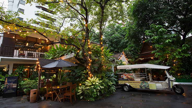 Baan Khanitha (Sukhumvit 23)'s pleasant ambiance. Photo courtesy of Baan Khanitha.