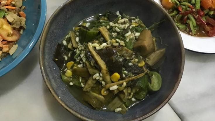 Bamboo shoot soup with <i>yanang</i> leaves. Photo credit: Chantich Kongchanmitkul.
