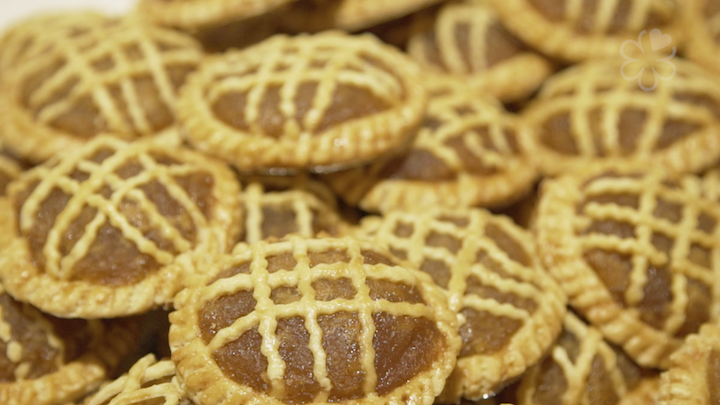 Each pineapple tart is as big as the circumference of a condensed milk tin.