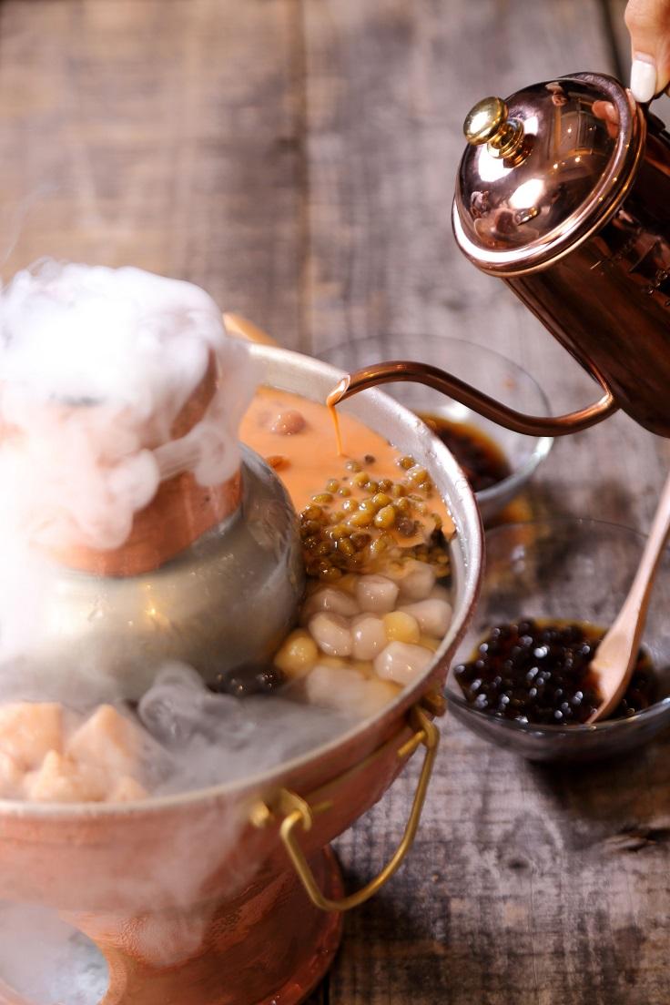 晶華酒店推出以珍珠入火鍋的「波霸冰鍋」。(圖片:晶華酒店提供)