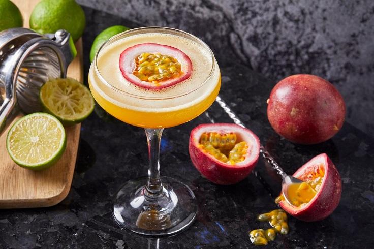 CÉ LA VI Hong Kong 雞尾酒色彩繽紛,加了不少生果元素,清新醒胃。(圖片: CÉ LA VI Hong Kong 面書)