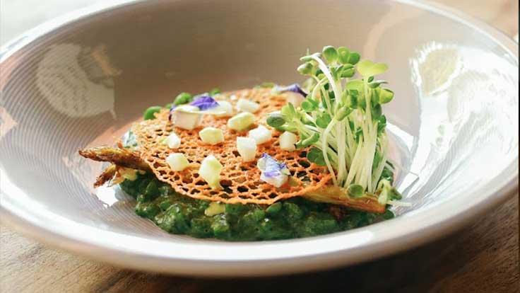 Thai Basil Risotti สวยงามทั้งรสชาติและหน้าตา <br>เครดิตภาพ: ร้านเซิร์ฟแอนด์เทิร์ฟ บาย โซลคิทเช่น