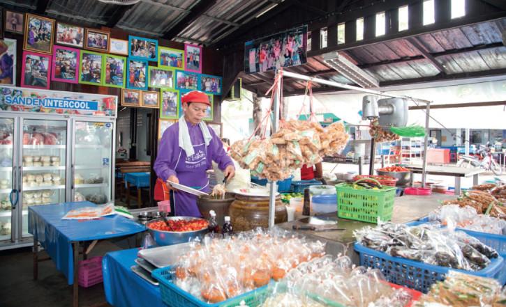ส้มตำเจ๊ไก่ ร้านเด็ดประจำอุดรธานี เครดิตภาพจากการท่องเที่ยวแห่งประเทศไทย