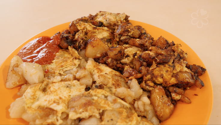 A $5 plate of half and half chai tow kway at Fu Ming (Pic: MICHELIN Guide Digital)